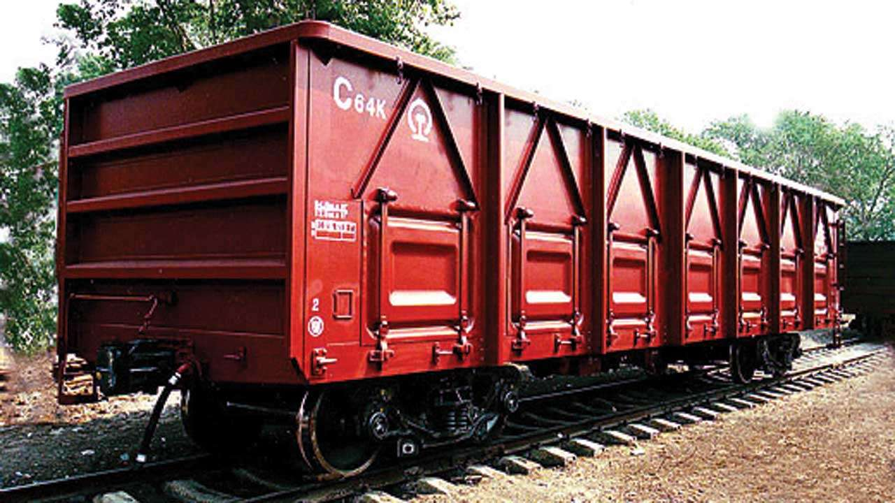 640320-railwaywagons-010918